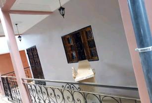 Appartement moderne, neuf et chic à louer au quartier MIMBOMAN OPEP  à l'étage, accès facile