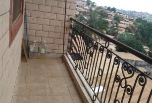 appartement moderne propre et chic à louer au quartier Nkomo à Yaoundé