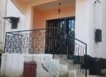 joli duplex spacieux, à vendre au quartier Ahala, avec accès facile .