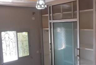 Appartements et studios avec clim,eau chaude , groupe électrogène et gardien a Éleveu