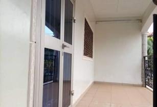 Appartement individuel avec eau chaude a Fougerole.3 chambres 2 douches