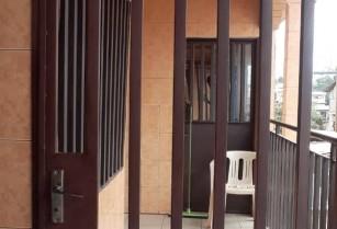 Appartement staffé  a Ngousso avec parking. 2 chambres 2 douches